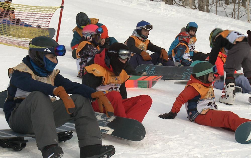 Масштабными соревнованиями отметила свой первый день рождения Камчатская спортшкола по сноуборду